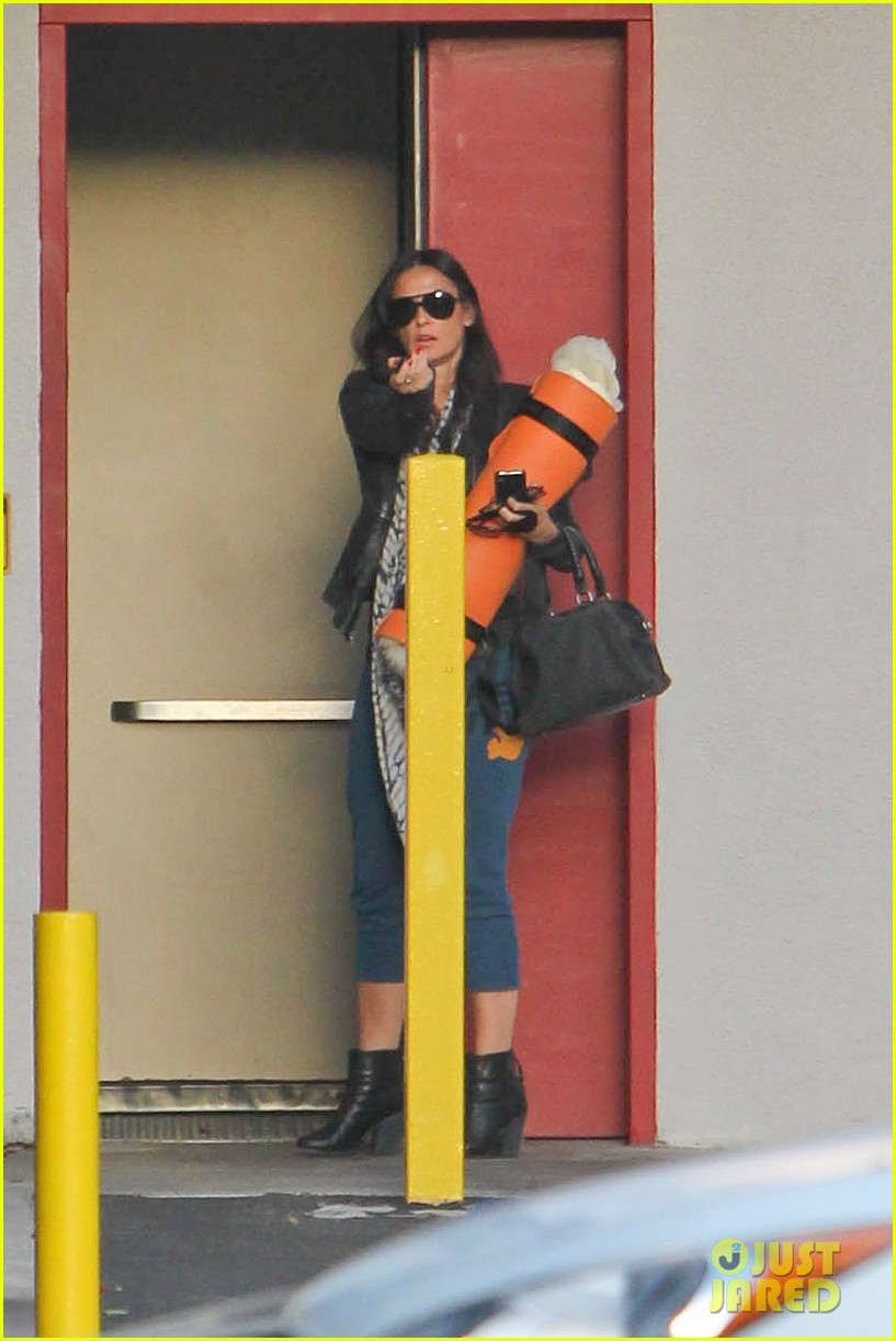 demi moore continues yoga practice in los angeles 022959204