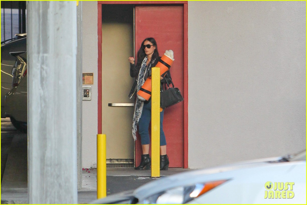 demi moore continues yoga practice in los angeles 072959209