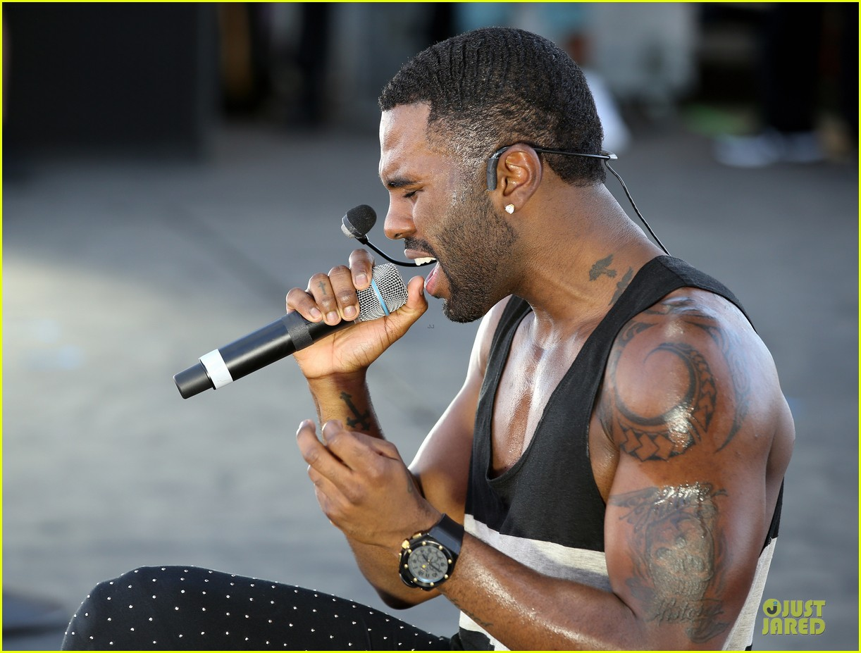 shirtless jason derulo cher lloyd iheartradio fest village performers 142956864