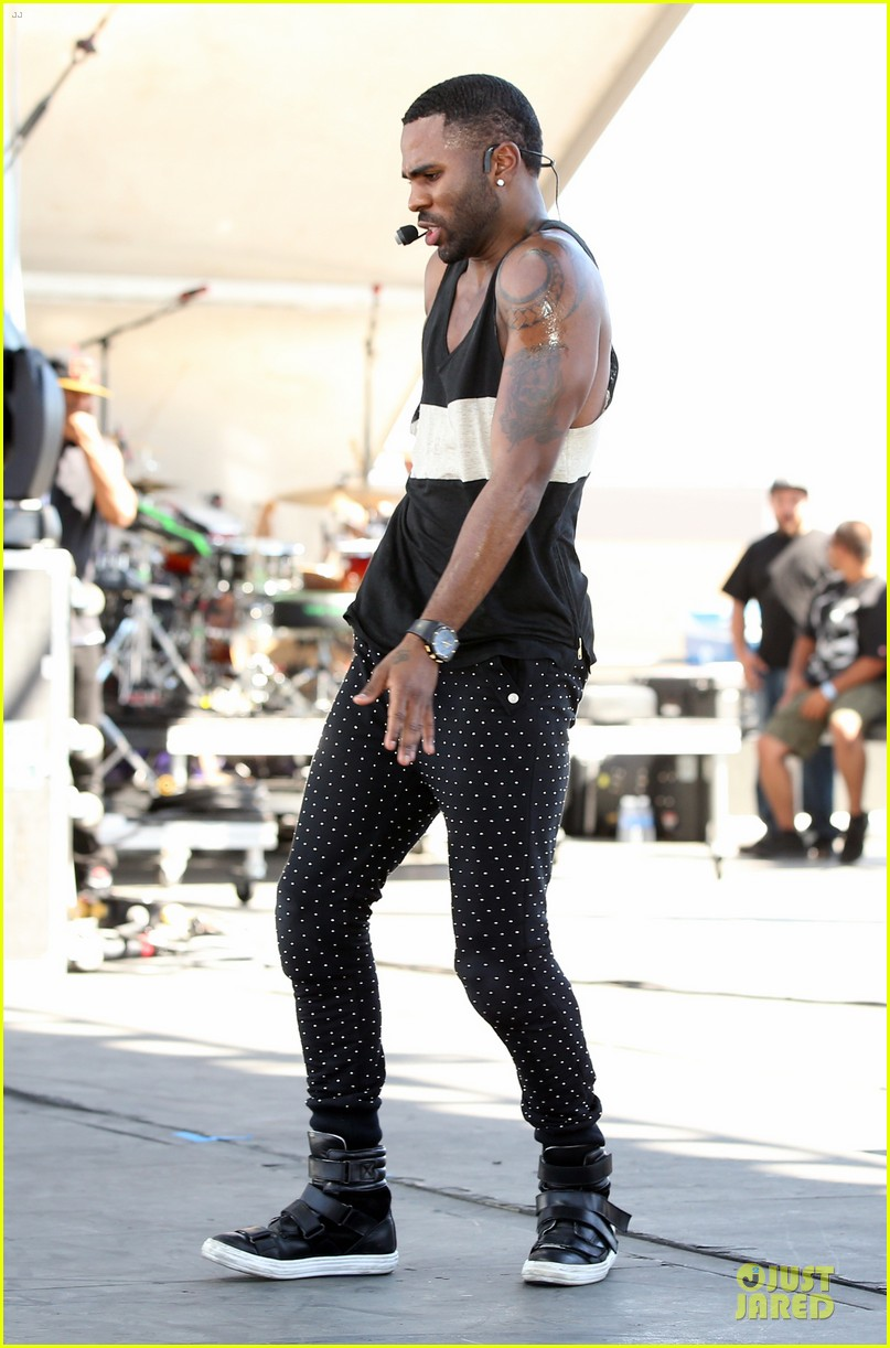 shirtless jason derulo cher lloyd iheartradio fest village performers 152956865