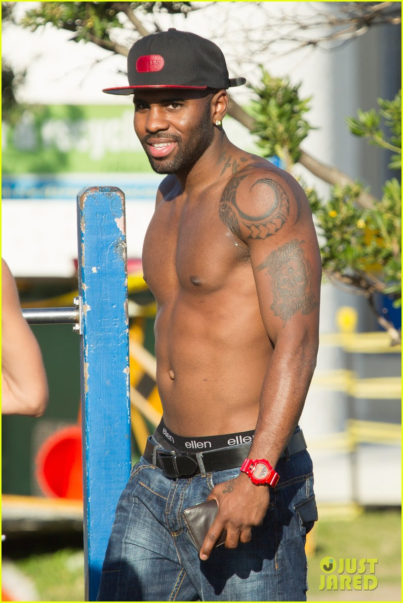 jason derulo shirtless workout in australia 032963154