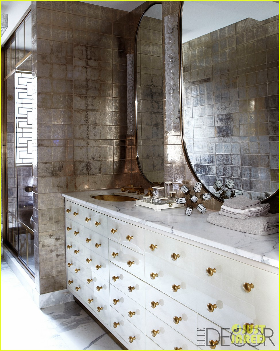 cameron diaz shows off nyc apartment for elle decor 05