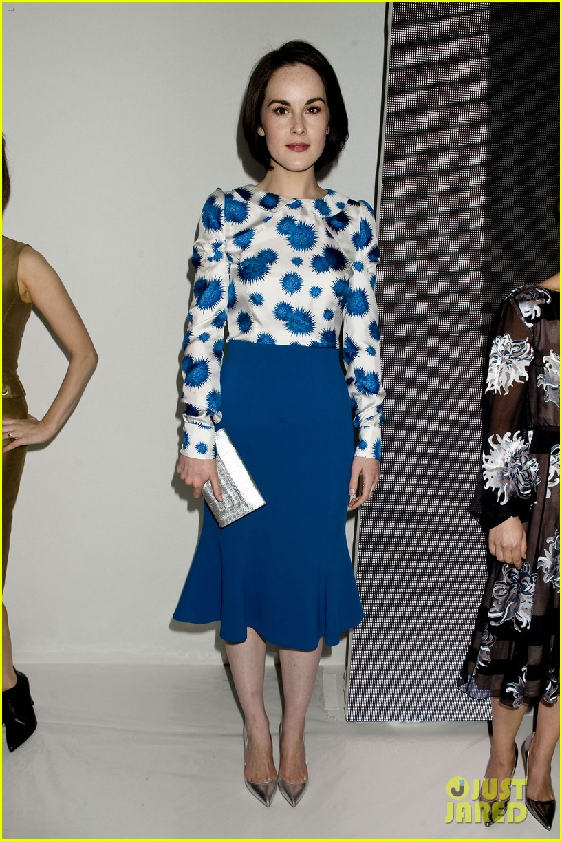 michelle dockery carolina herrera show 112949080