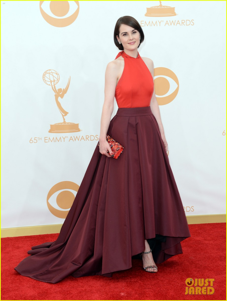 michelle dockery emmys 2013 red carpet 012958095