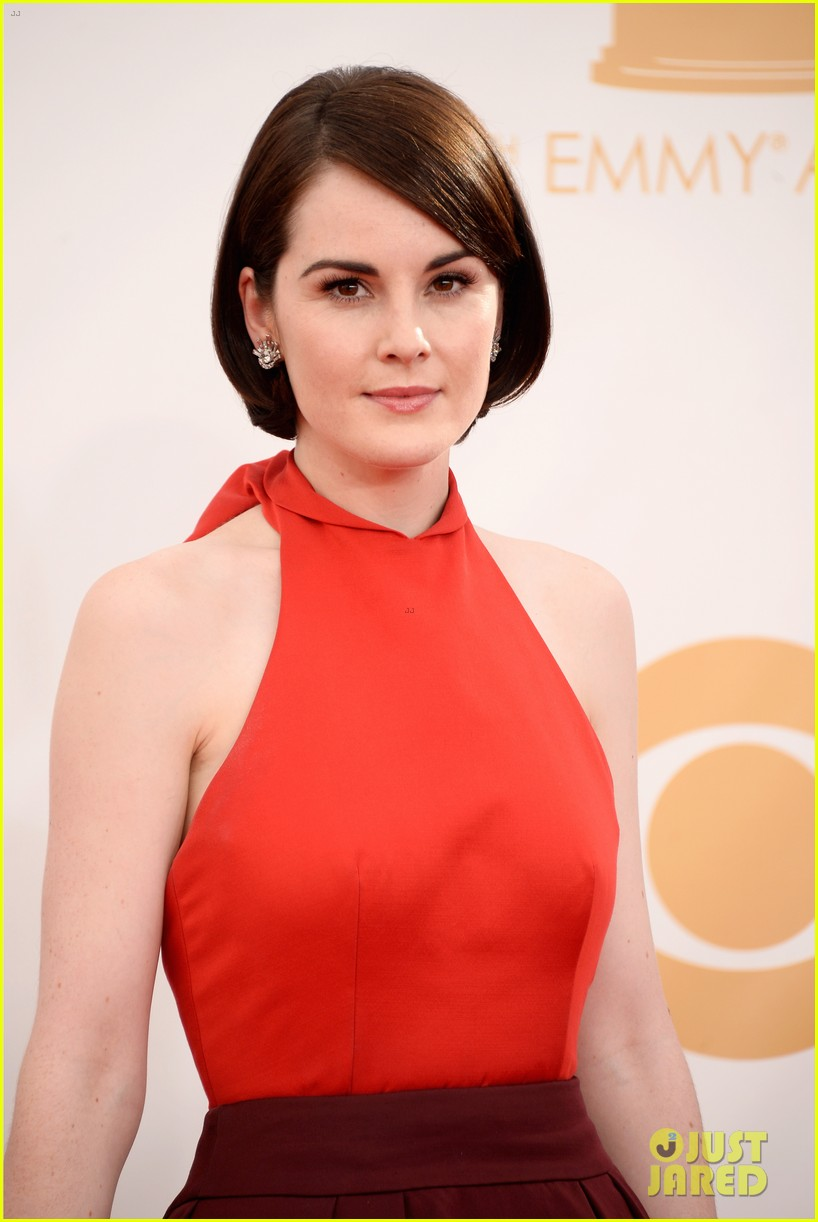 michelle dockery emmys 2013 red carpet 042958098