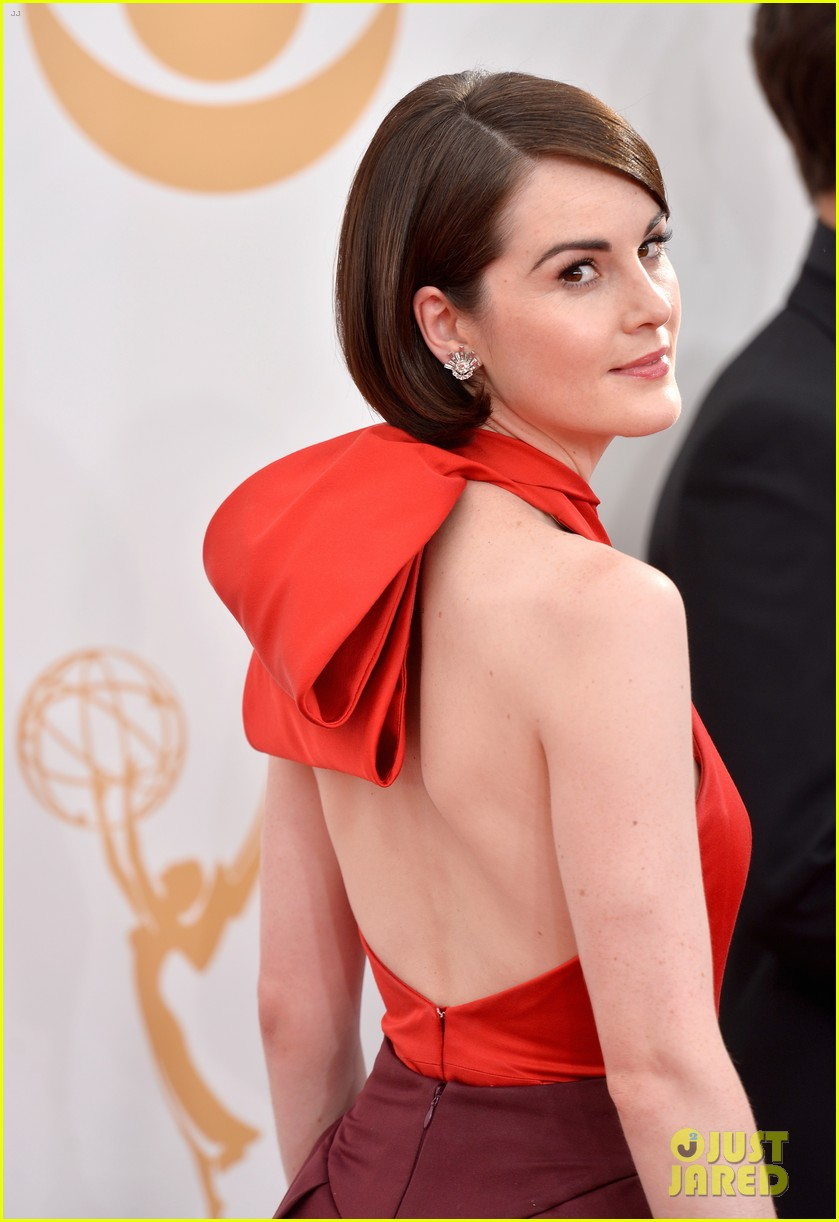 michelle dockery emmys 2013 red carpet 082958102