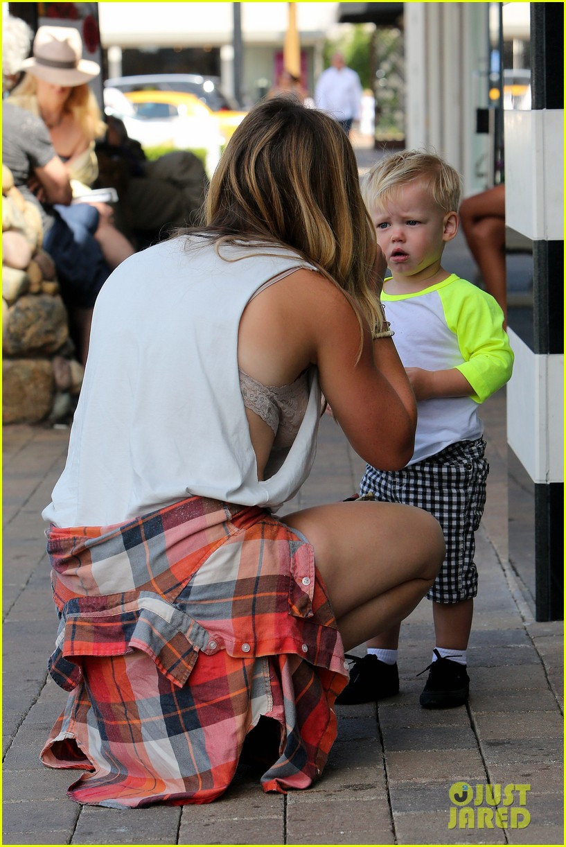 hilary duff mike comrie malibu beach with luca 182943521