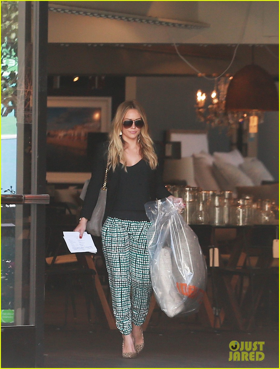 hilary duff the weeknd concert night out 102955176