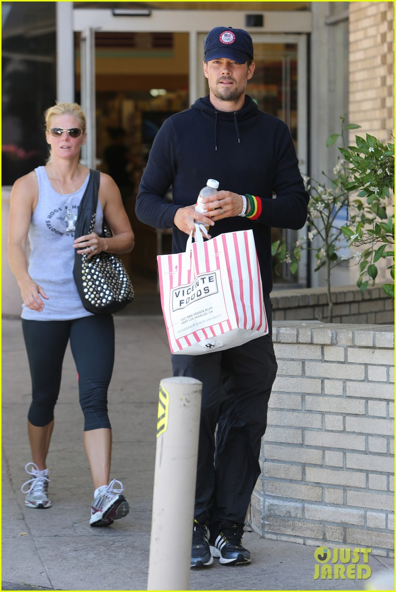 new dad josh duhamel all smiles after baby axls birth 03