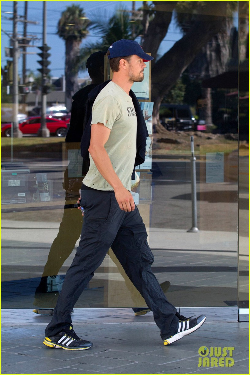 new dad josh duhamel all smiles after baby axls birth 052944485