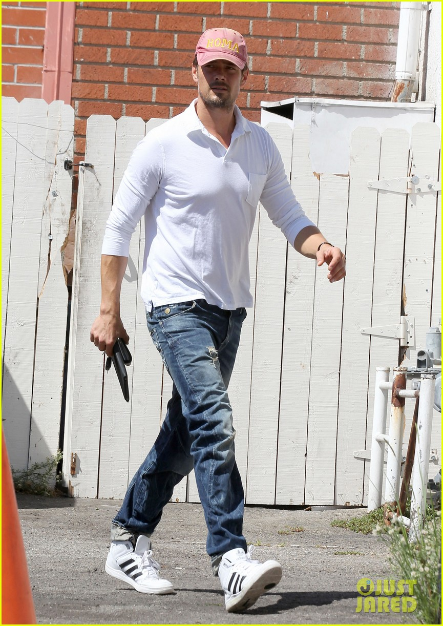 josh duhamel embraces new meaning of dilf 032949497