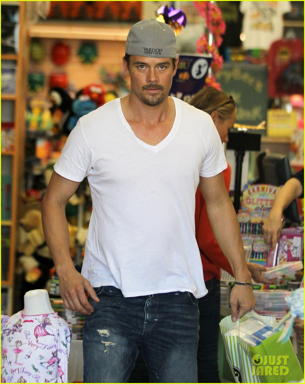 josh duhamel fergie i are obsessed with baby axl 142961090