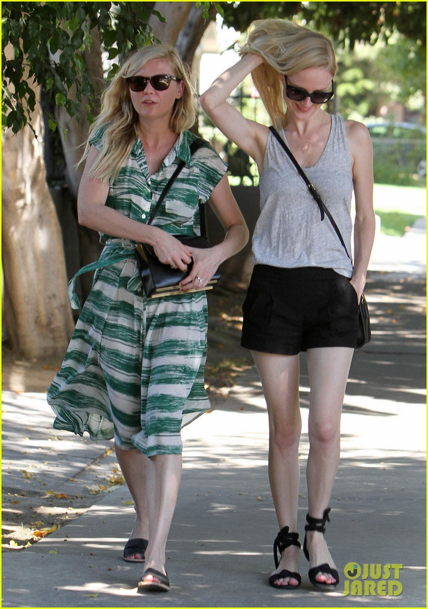 garrett hedlund goes shirtless for run kirsten dunst shops 152941964