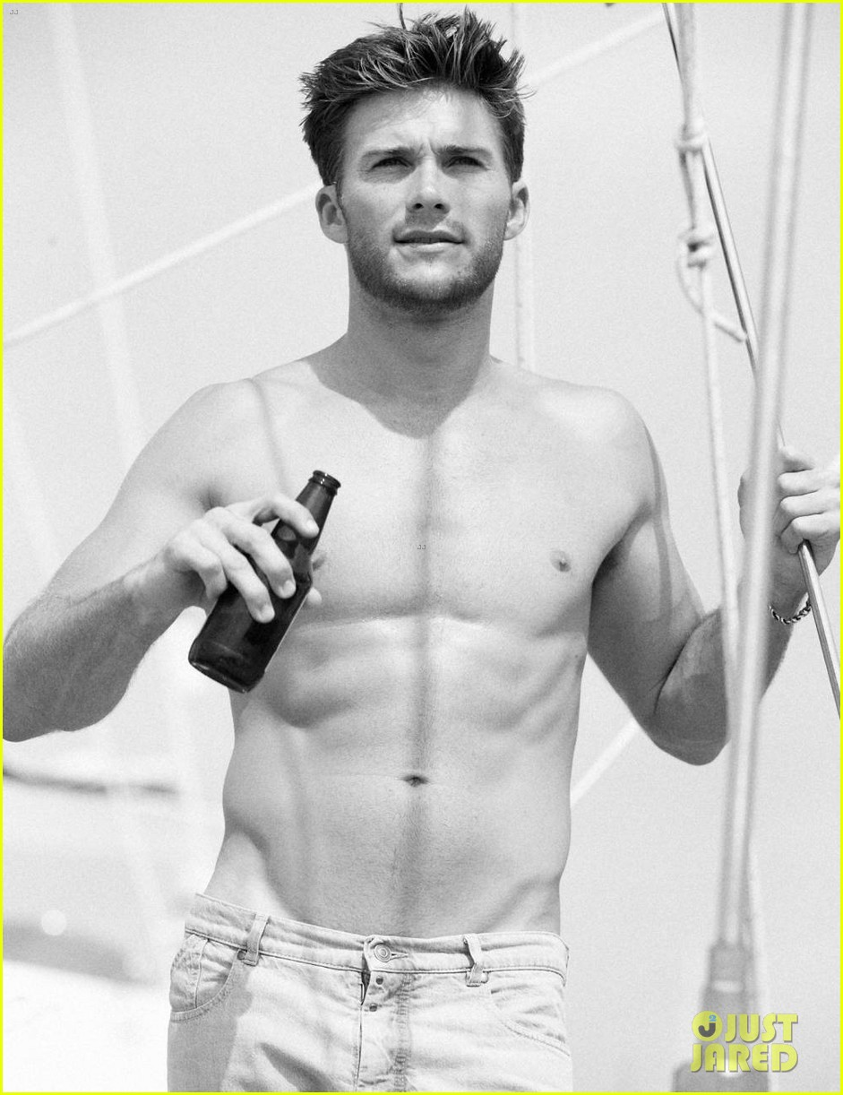 scott eastwood goes shirtless in extra town country pics 012955550