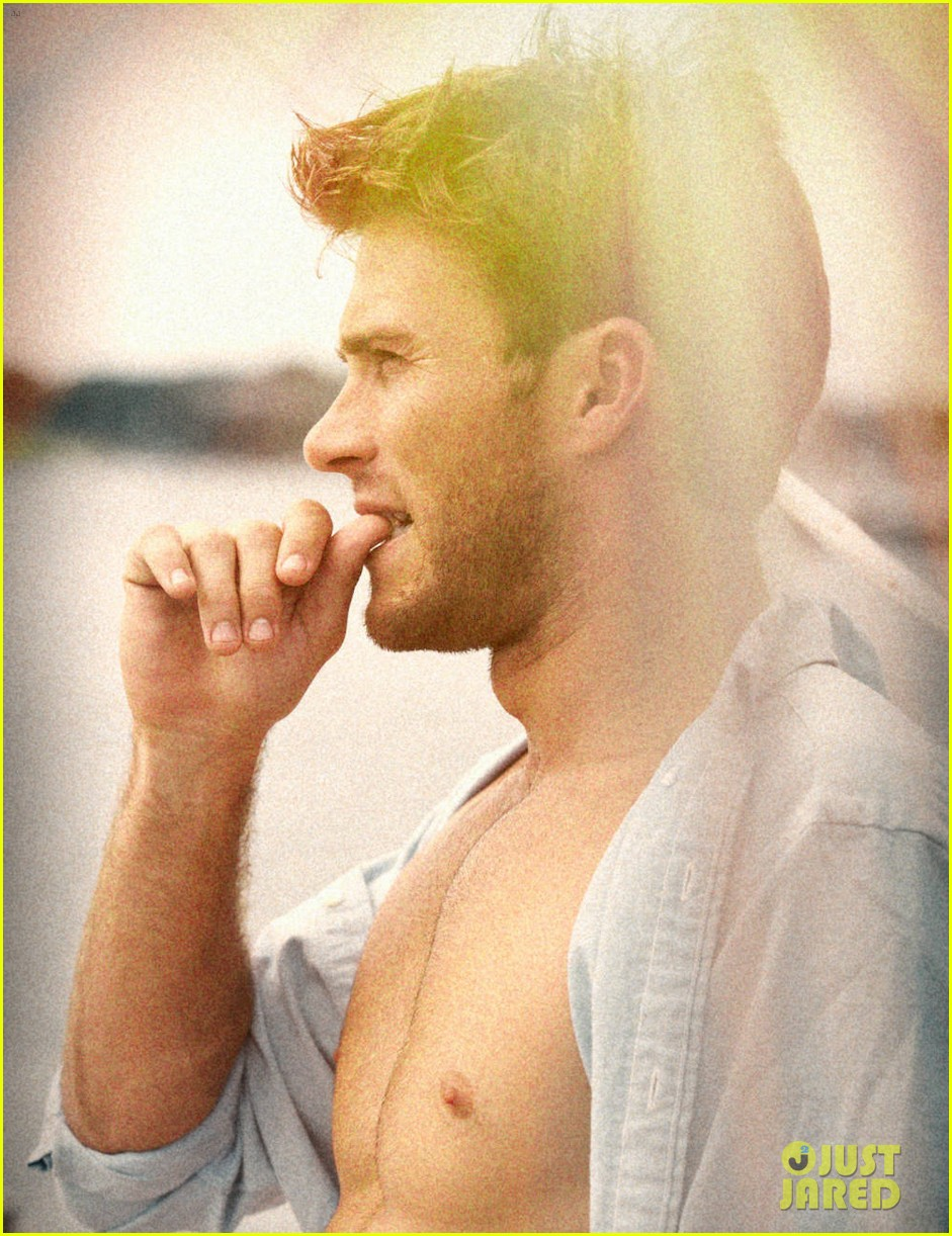 scott eastwood goes shirtless in extra town country pics 02