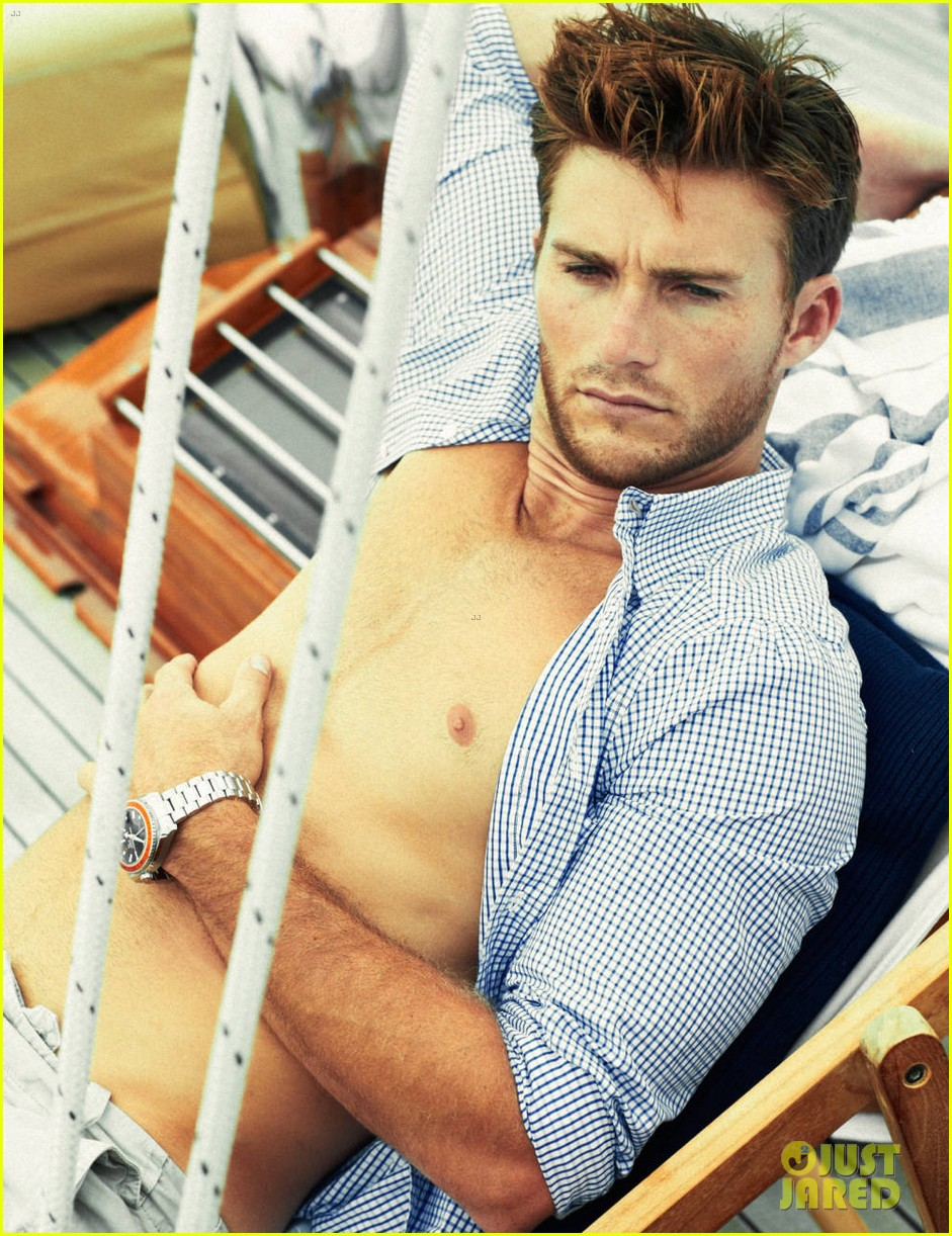 scott eastwood goes shirtless in extra town country pics 042955553