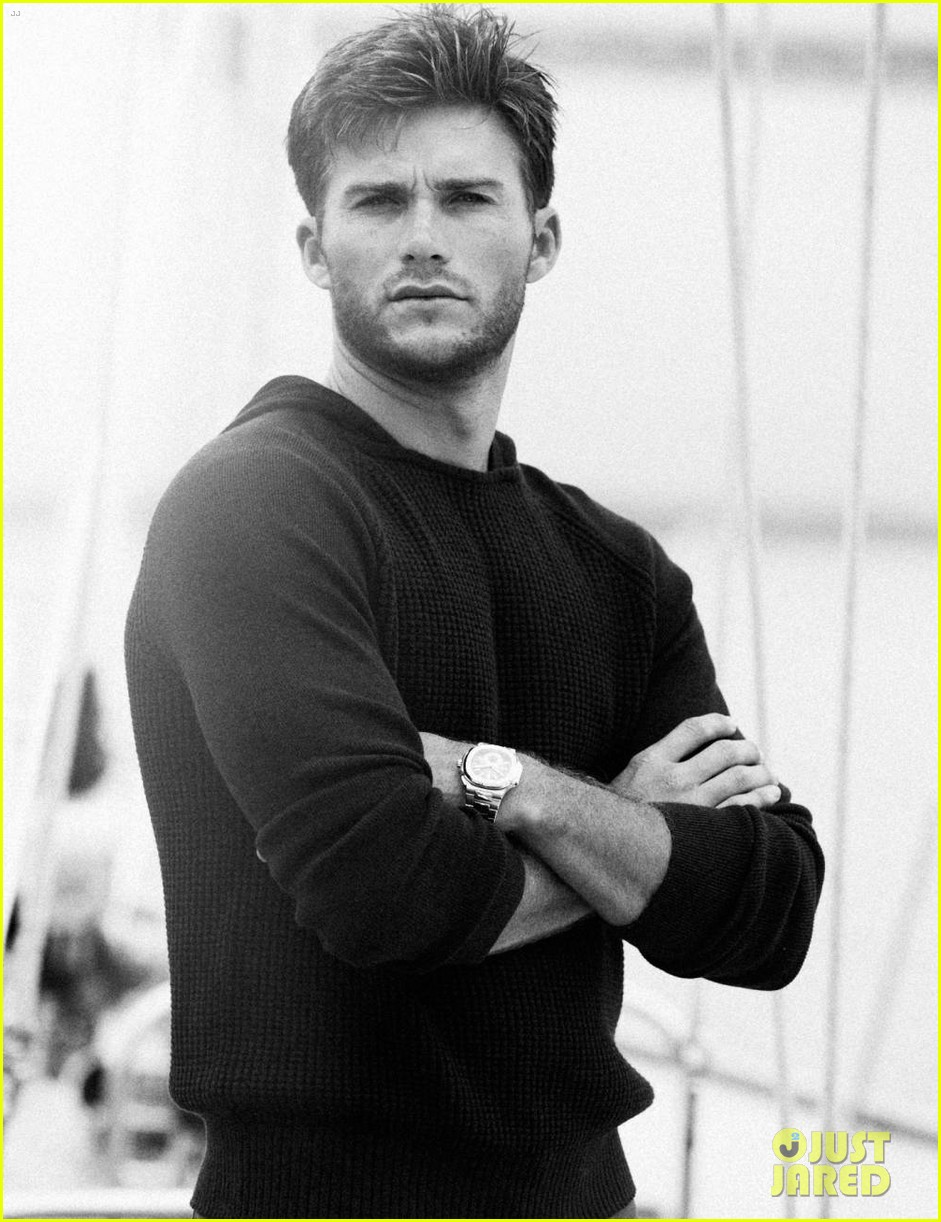 scott eastwood goes shirtless in extra town country pics 072955556