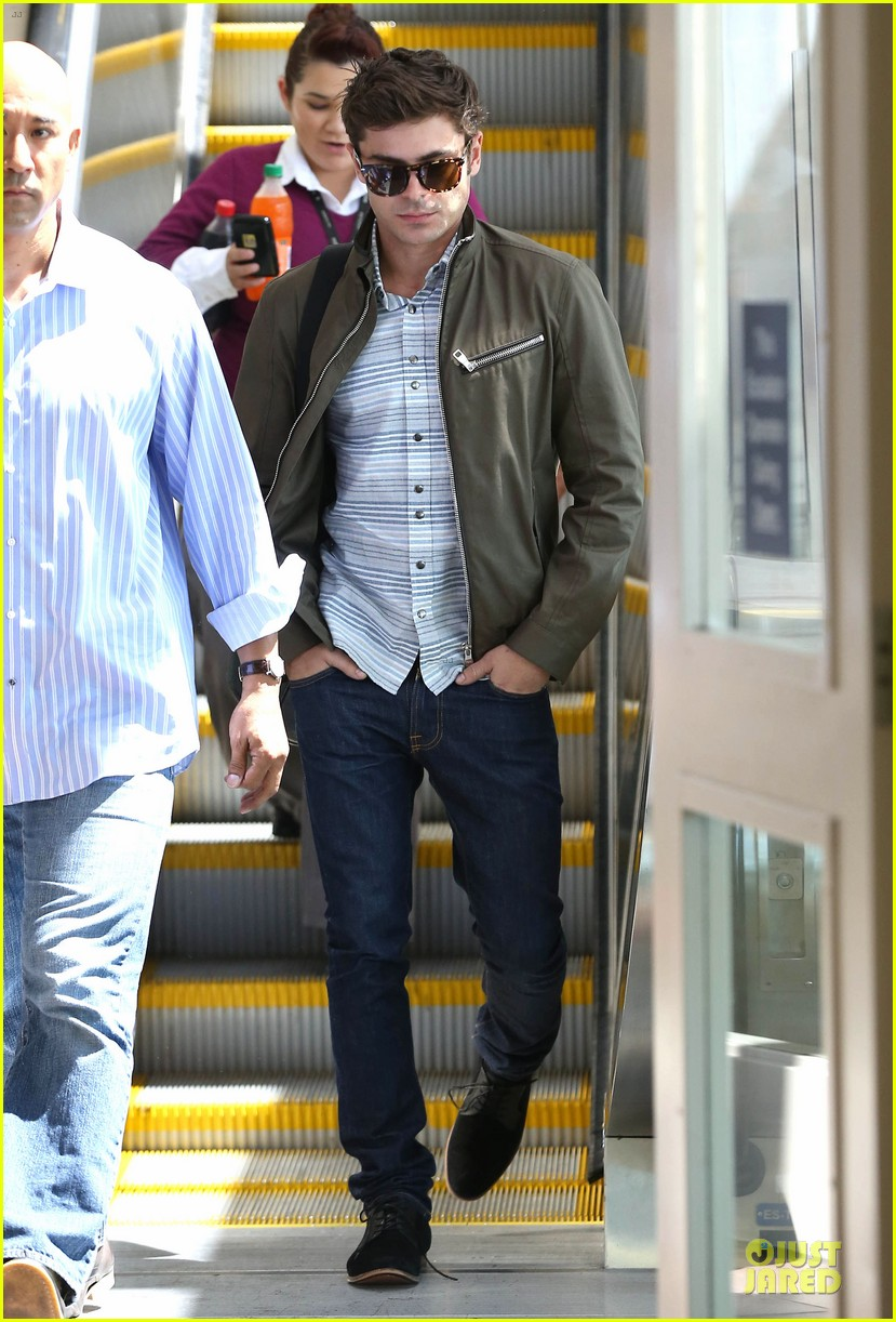 zac efron tom welling lax arrival after toronto film festival 062946133