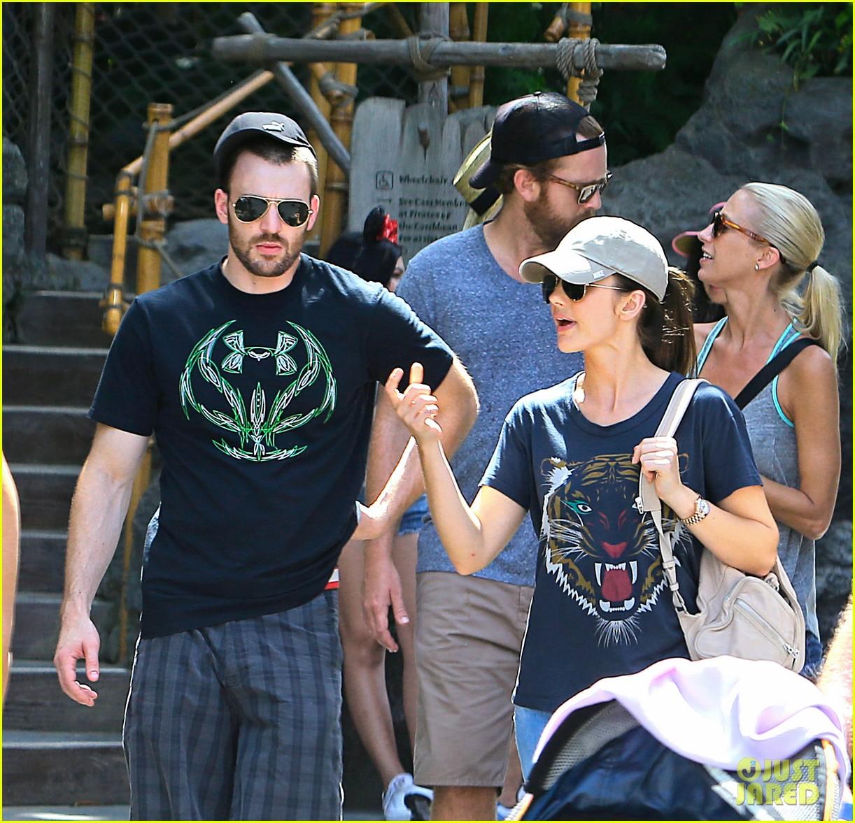 Chris evans dating minka