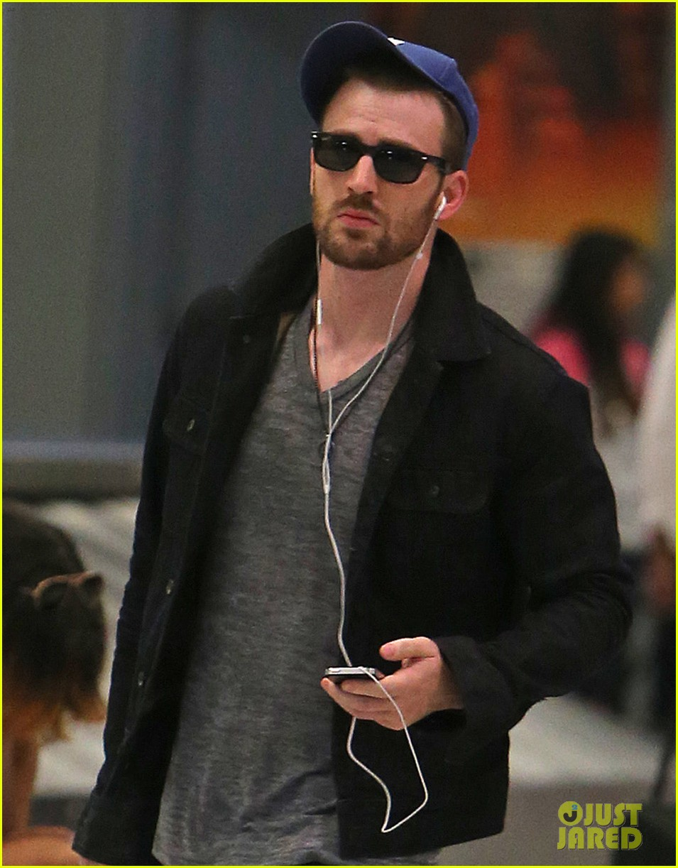 chris evans heads to new york city after disneyland date 032946689