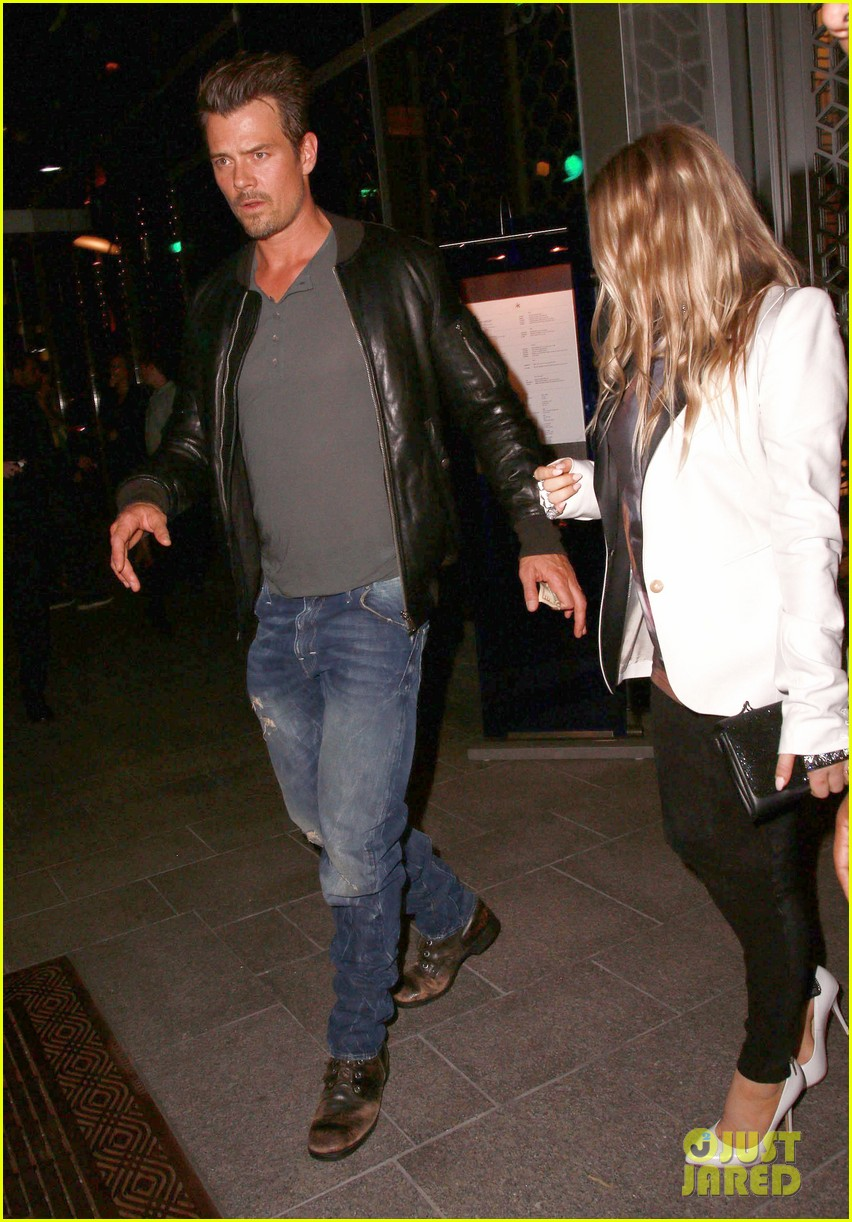 fergie debuts post baby boy at dinner with josh duhamel 032960247