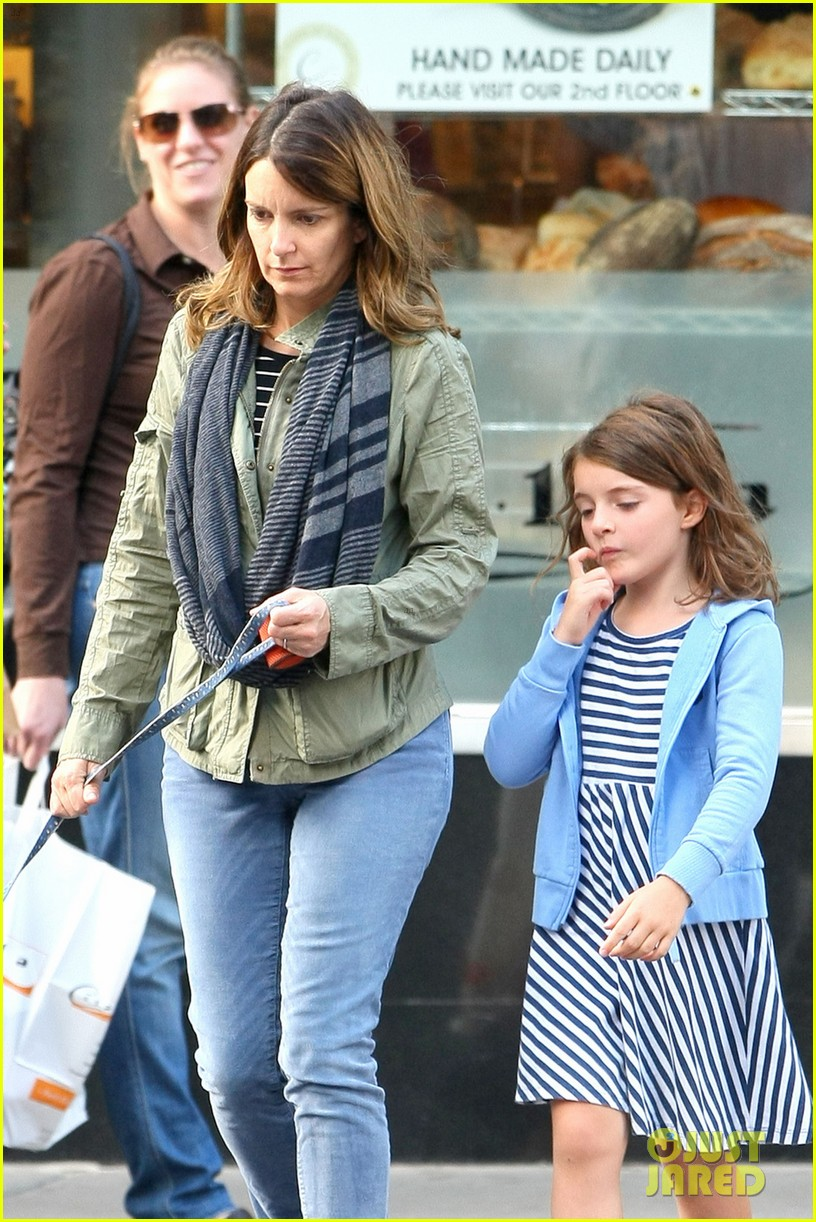 tina fey steps out with daughter alice after snl episode 022963322