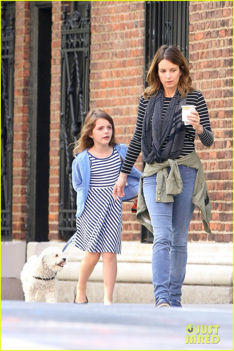 tina fey steps out with daughter alice after snl episode 032963323