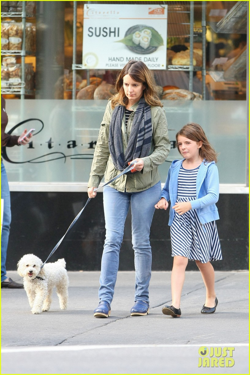 tina fey steps out with daughter alice after snl episode 052963325
