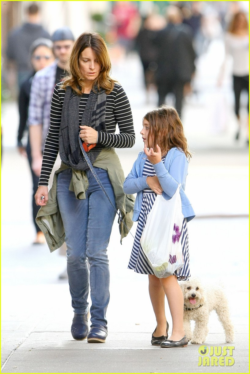tina fey steps out with daughter alice after snl episode 082963328