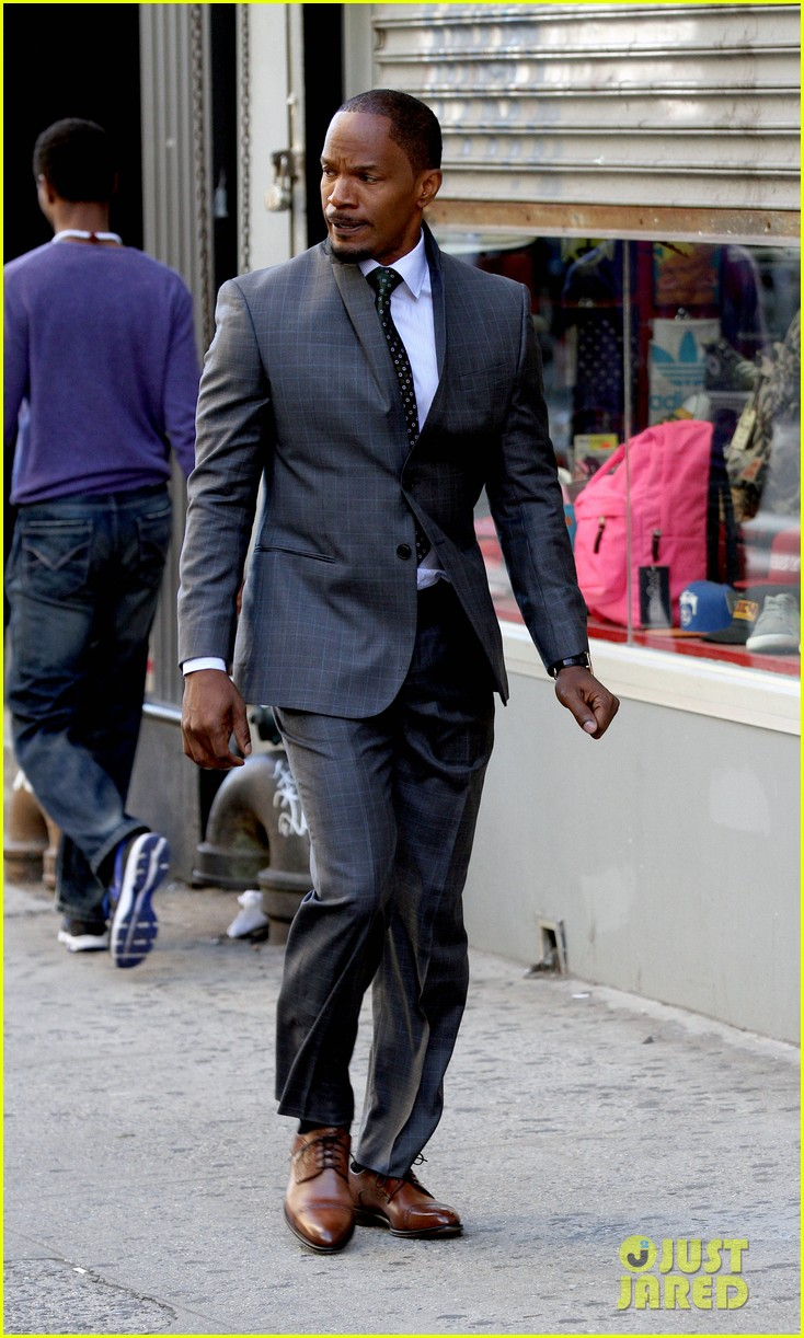 quvenzhane wallis jamie foxx film annie in new york 012960215