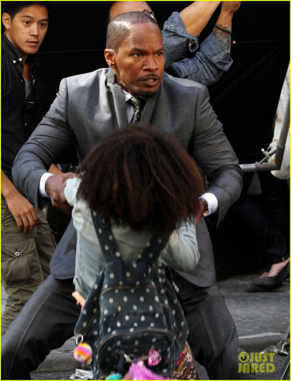 quvenzhane wallis jamie foxx film annie in new york 072960221