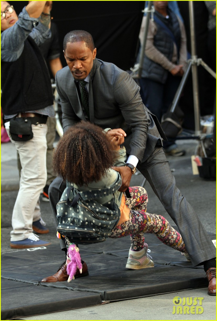 quvenzhane wallis jamie foxx film annie in new york 082960222