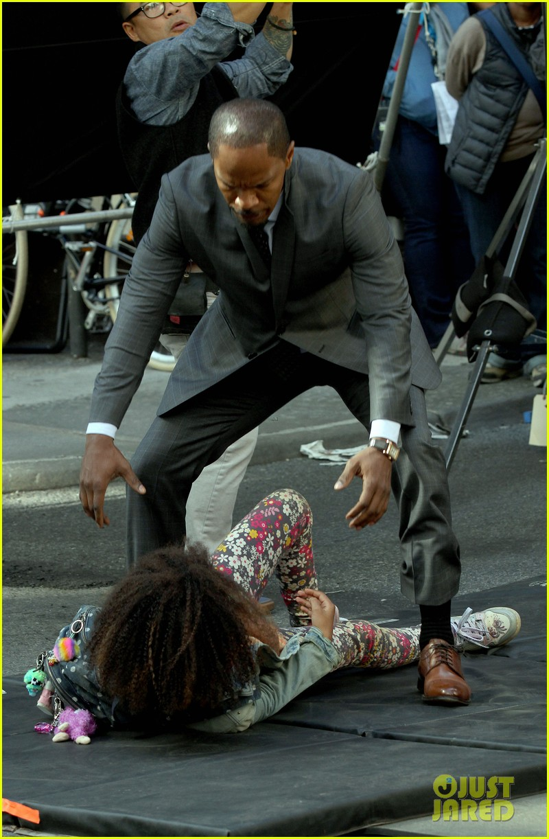 quvenzhane wallis jamie foxx film annie in new york 162960230