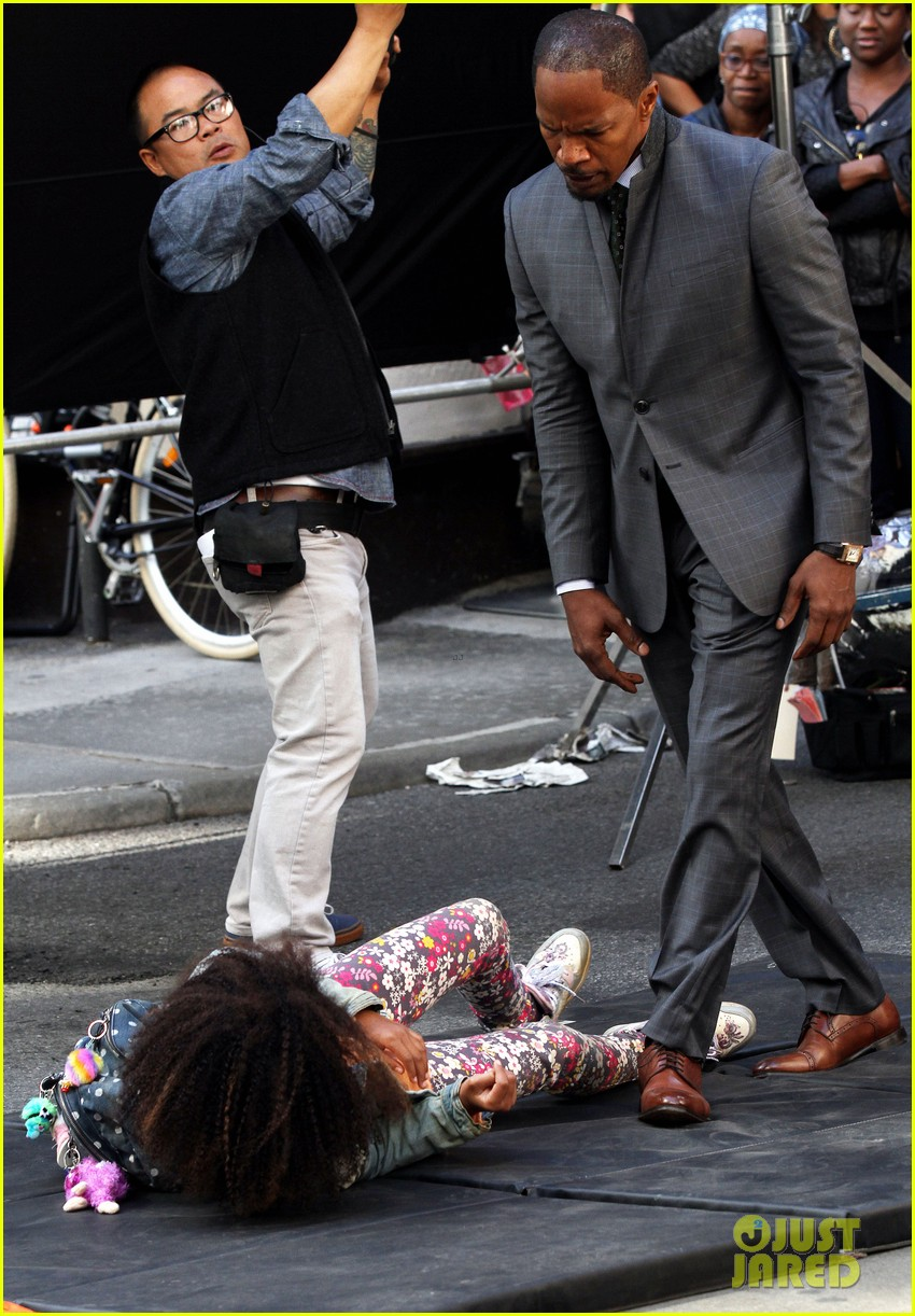 quvenzhane wallis jamie foxx film annie in new york 17
