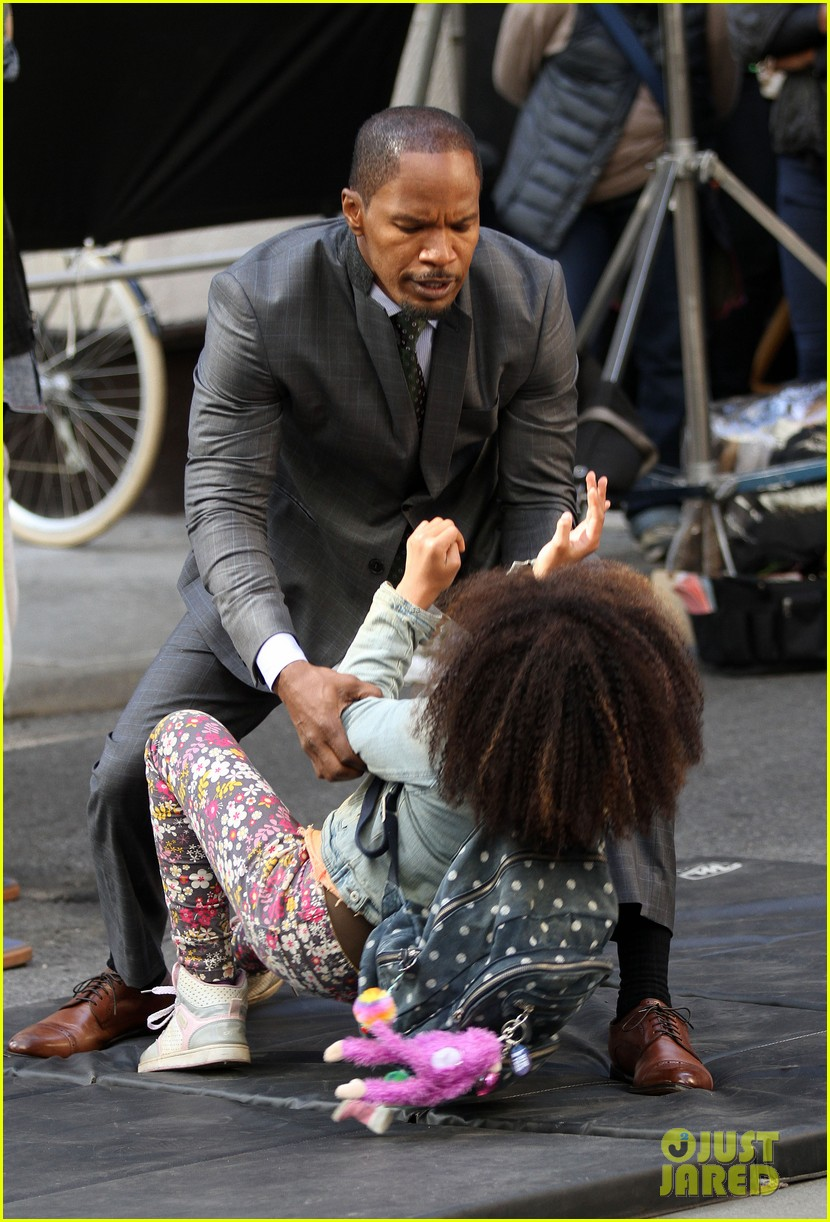 quvenzhane wallis jamie foxx film annie in new york 192960233