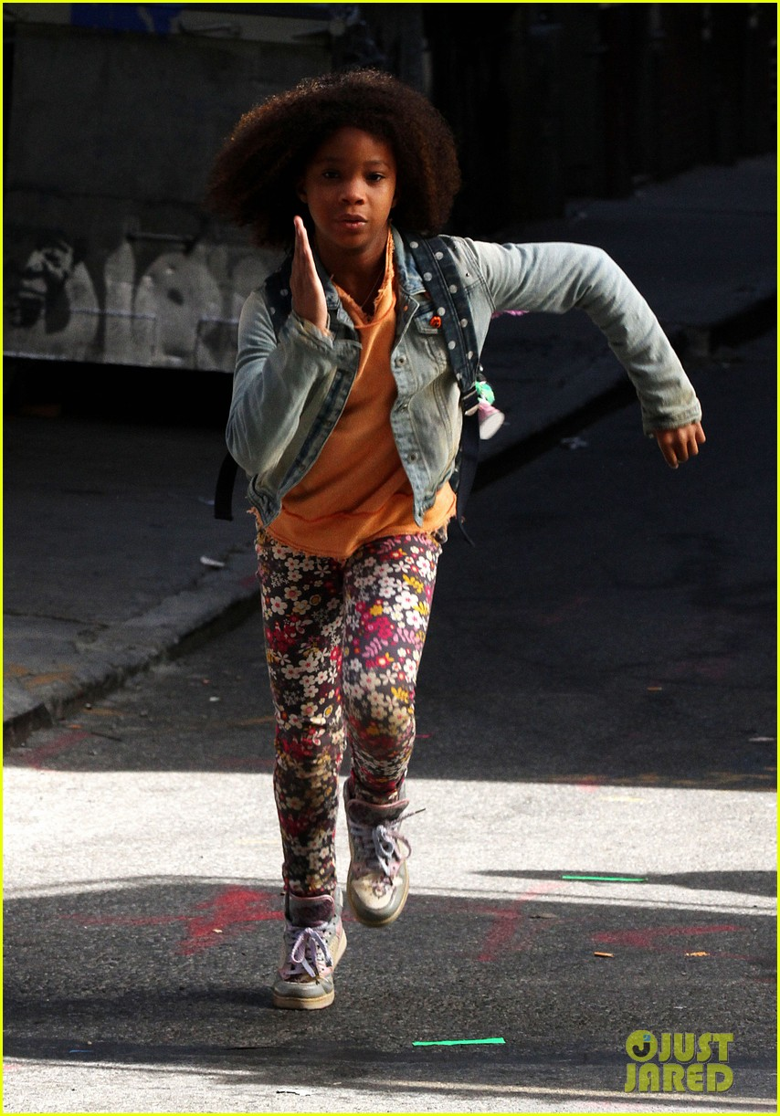 quvenzhane wallis jamie foxx film annie in new york 242960238