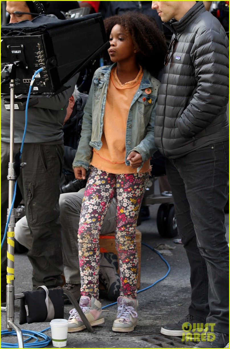 quvenzhane wallis jamie foxx film annie in new york 252960239