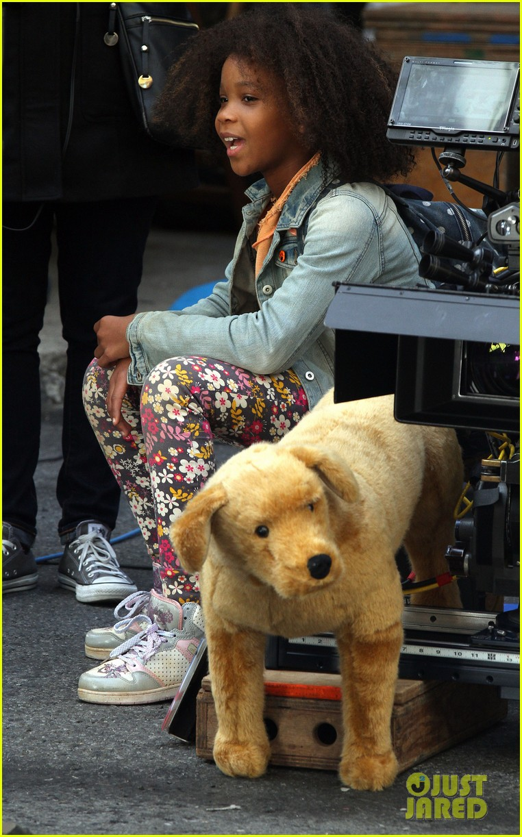 quvenzhane wallis jamie foxx film annie in new york 262960240