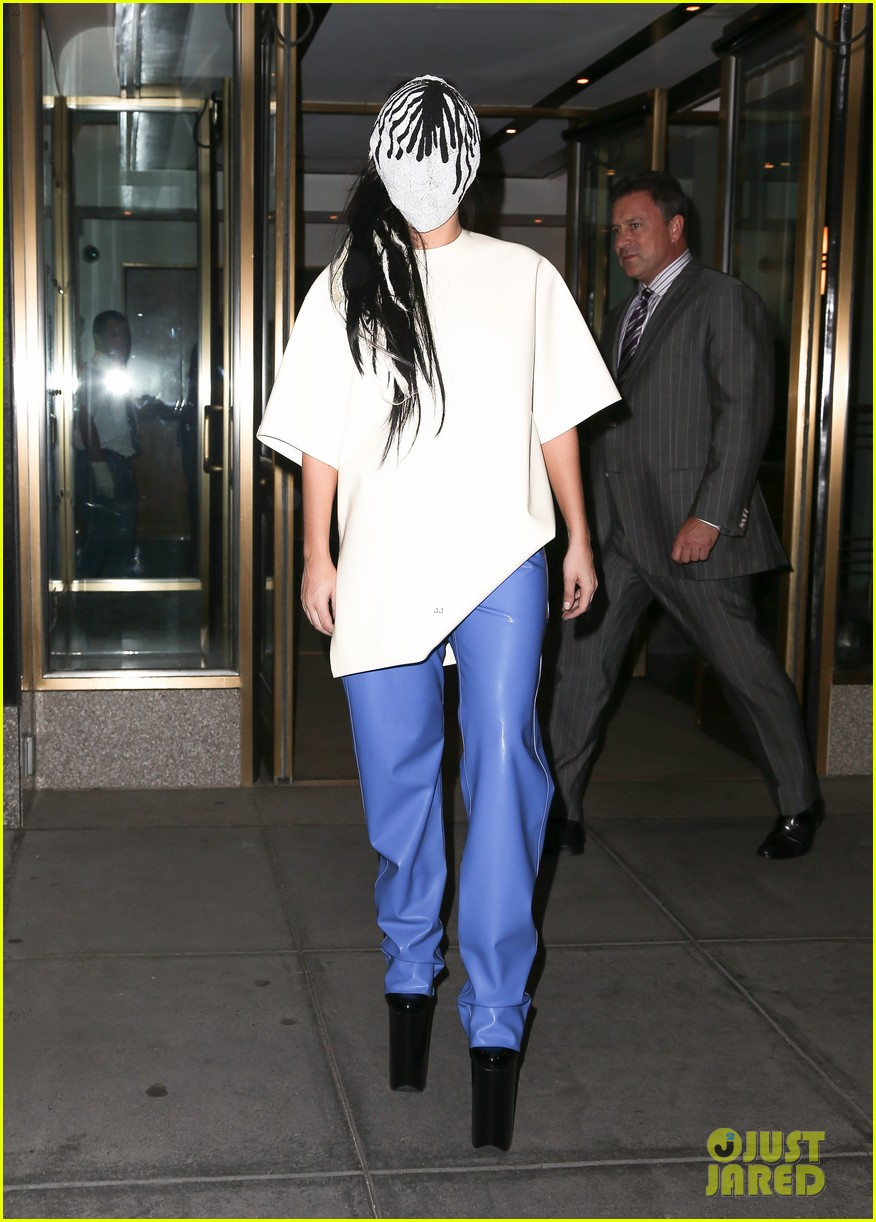 lady gaga wears full face mask while leaving apartment 012946592