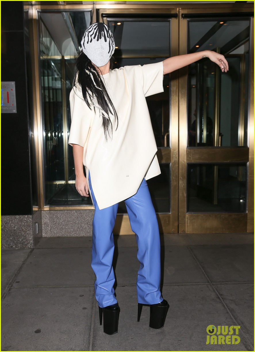 lady gaga wears full face mask while leaving apartment 05