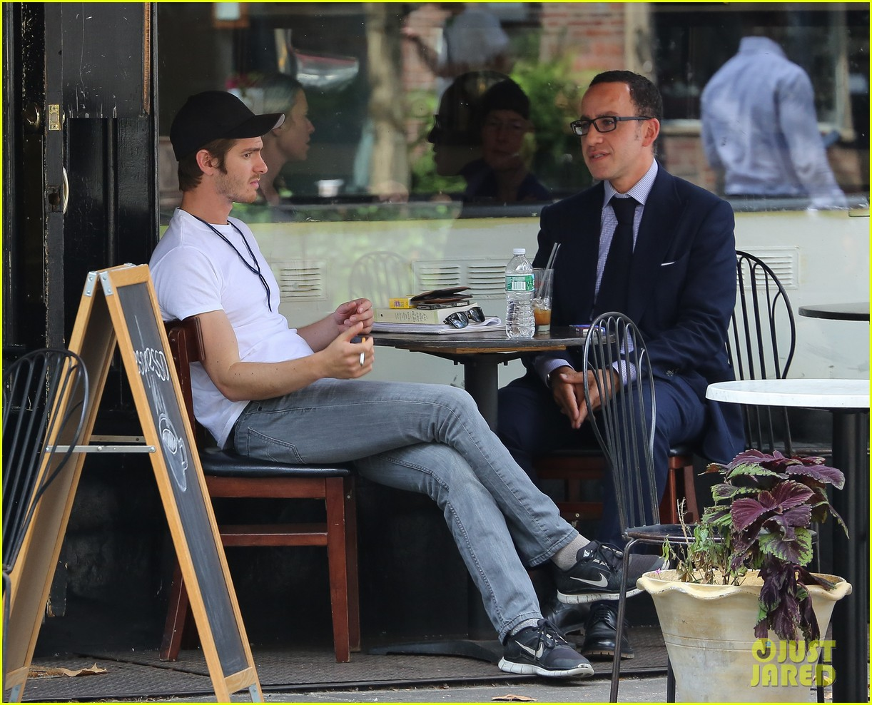 andrew garfield attended friends wedding with emma stone 032944365