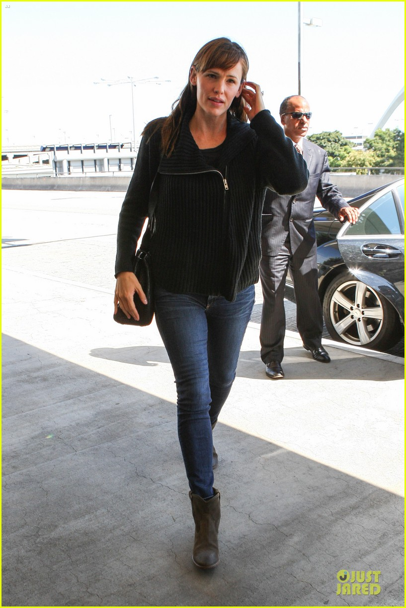 jennifer garner matthew mcconaughey fly out to tiff 012945735