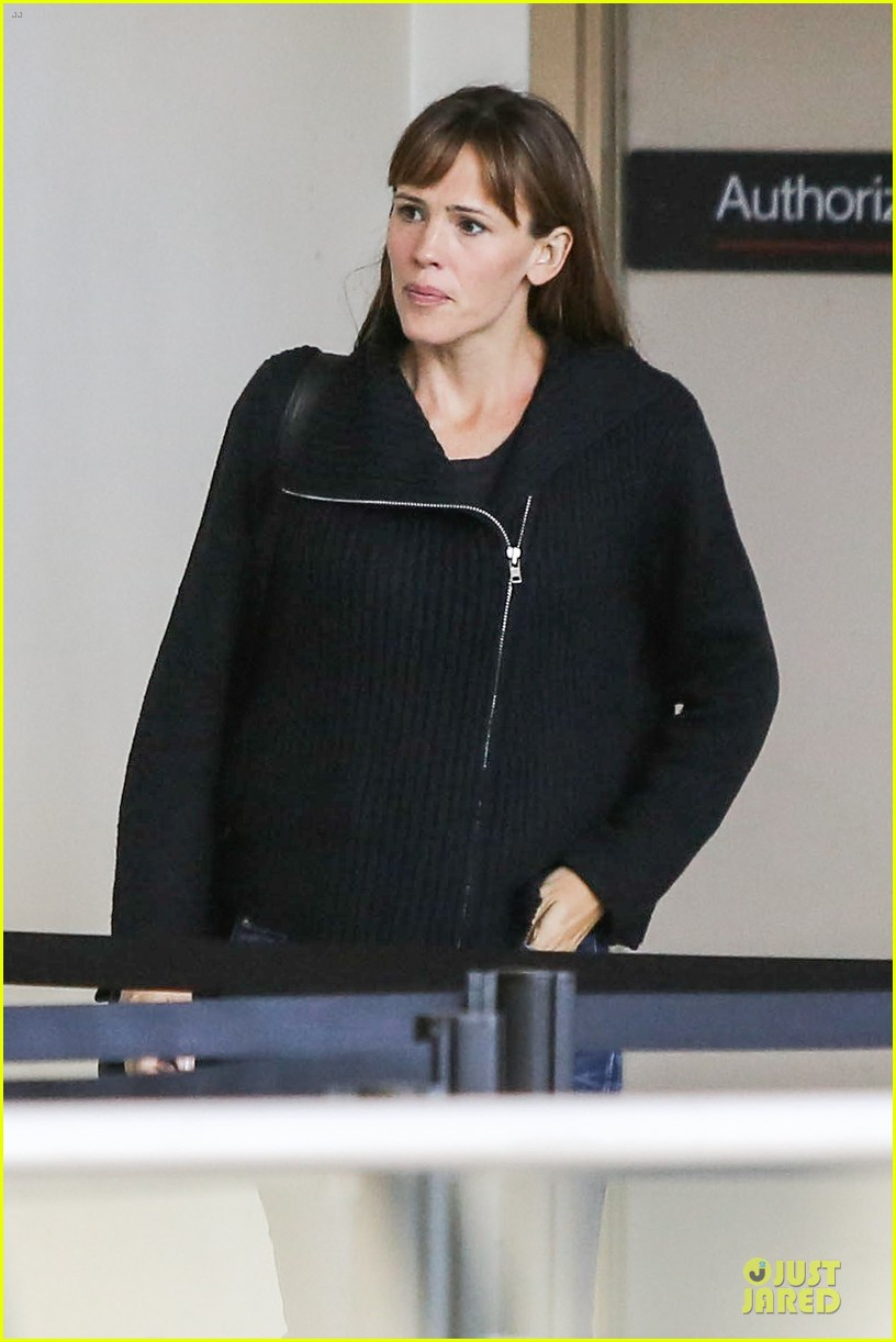 jennifer garner matthew mcconaughey fly out to tiff 112945745