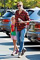 jennifer garner brings samuel to meet a horse 08