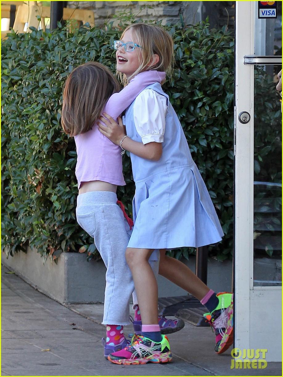 jennifer garner mommy errands with the kids 032960385