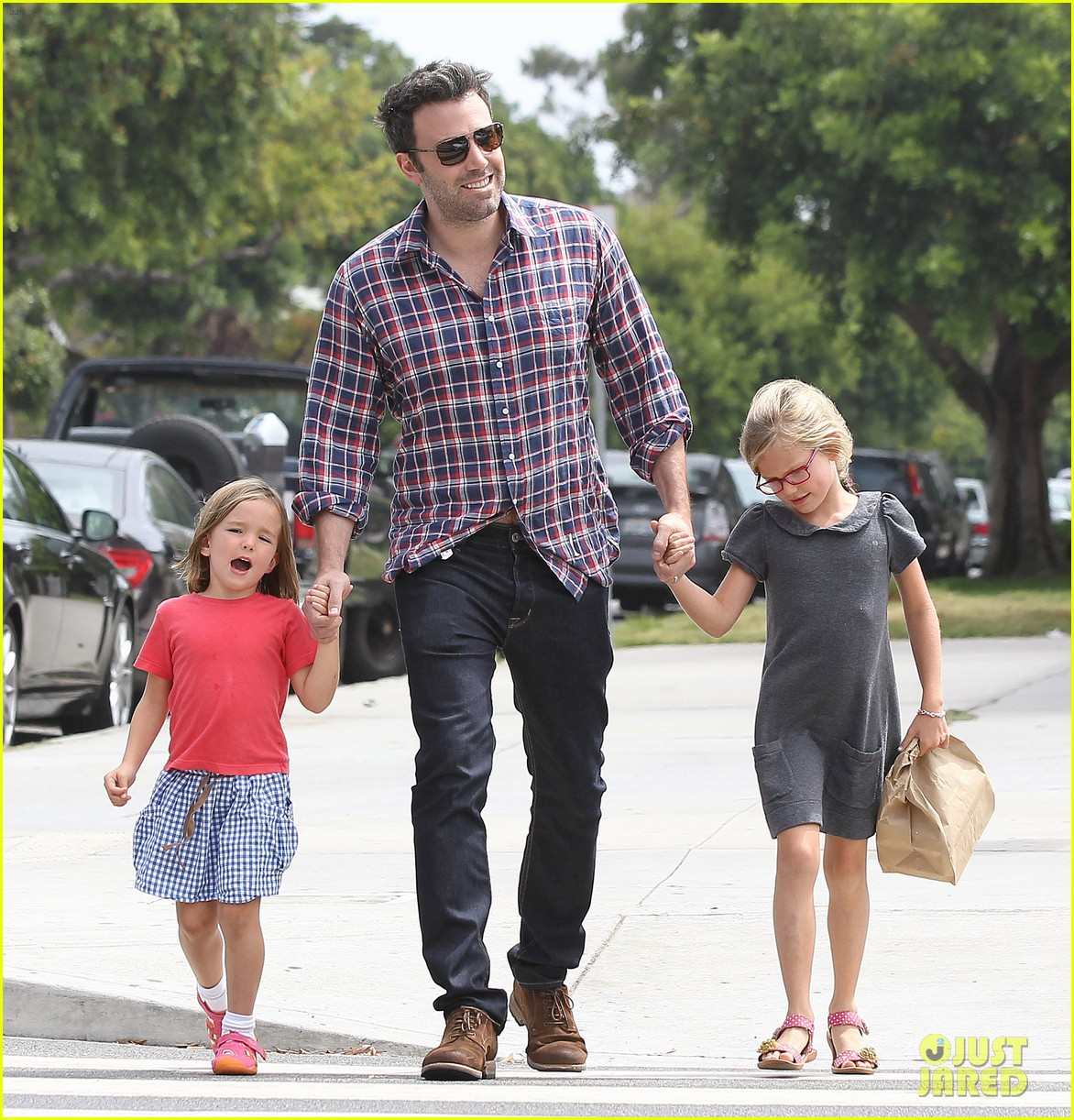 jennifer garner ben affleck separate outings with the kids 022942658