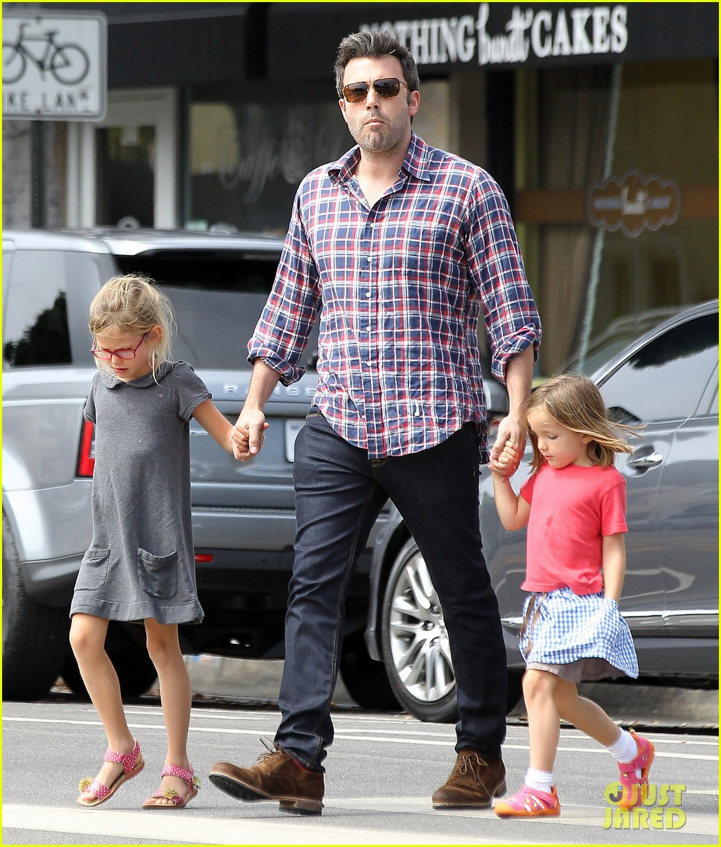 jennifer garner ben affleck separate outings with the kids 152942671
