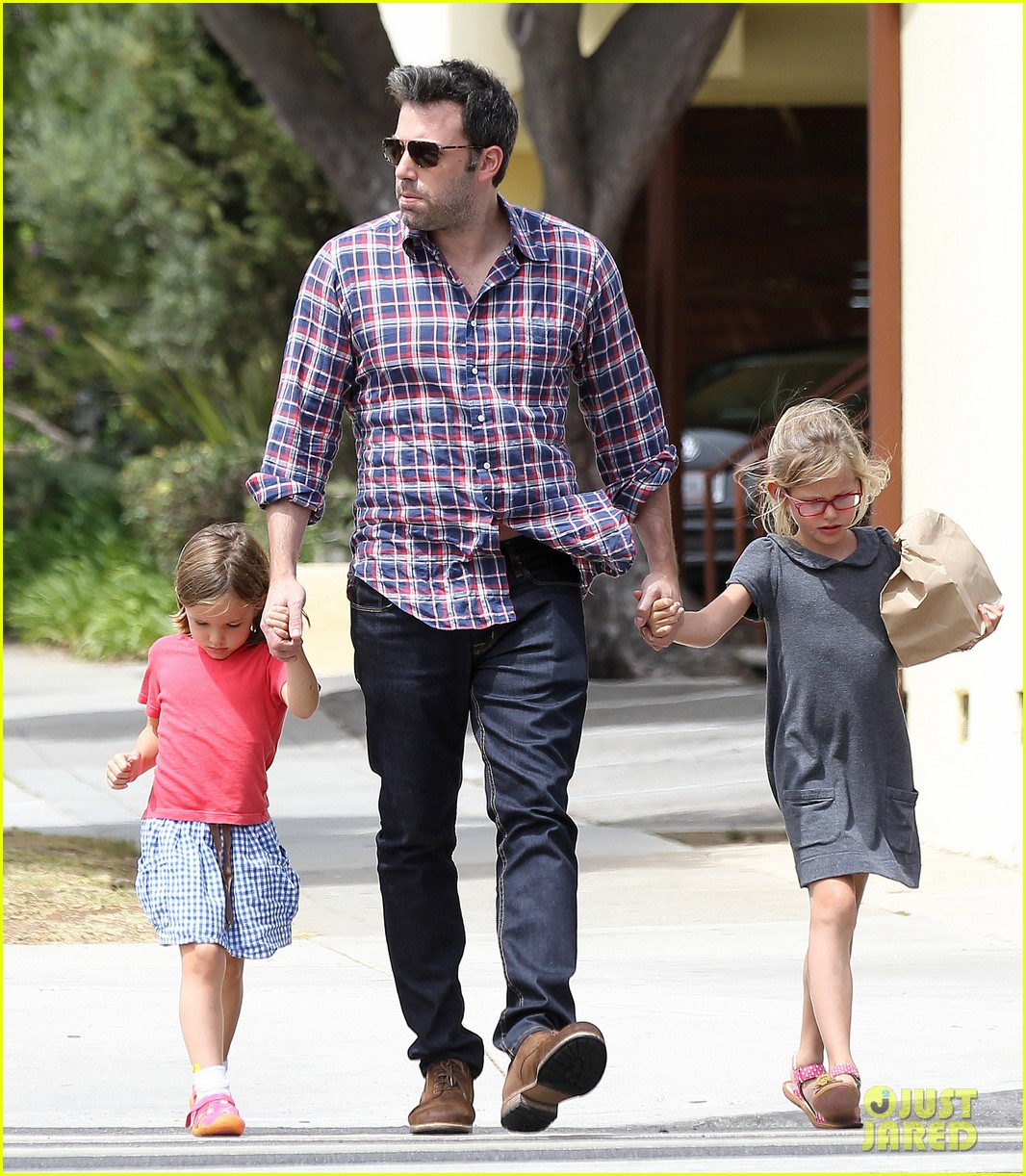 jennifer garner ben affleck separate outings with the kids 192942675
