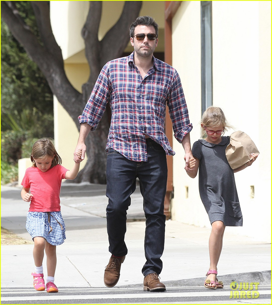 jennifer garner ben affleck separate outings with the kids 202942676