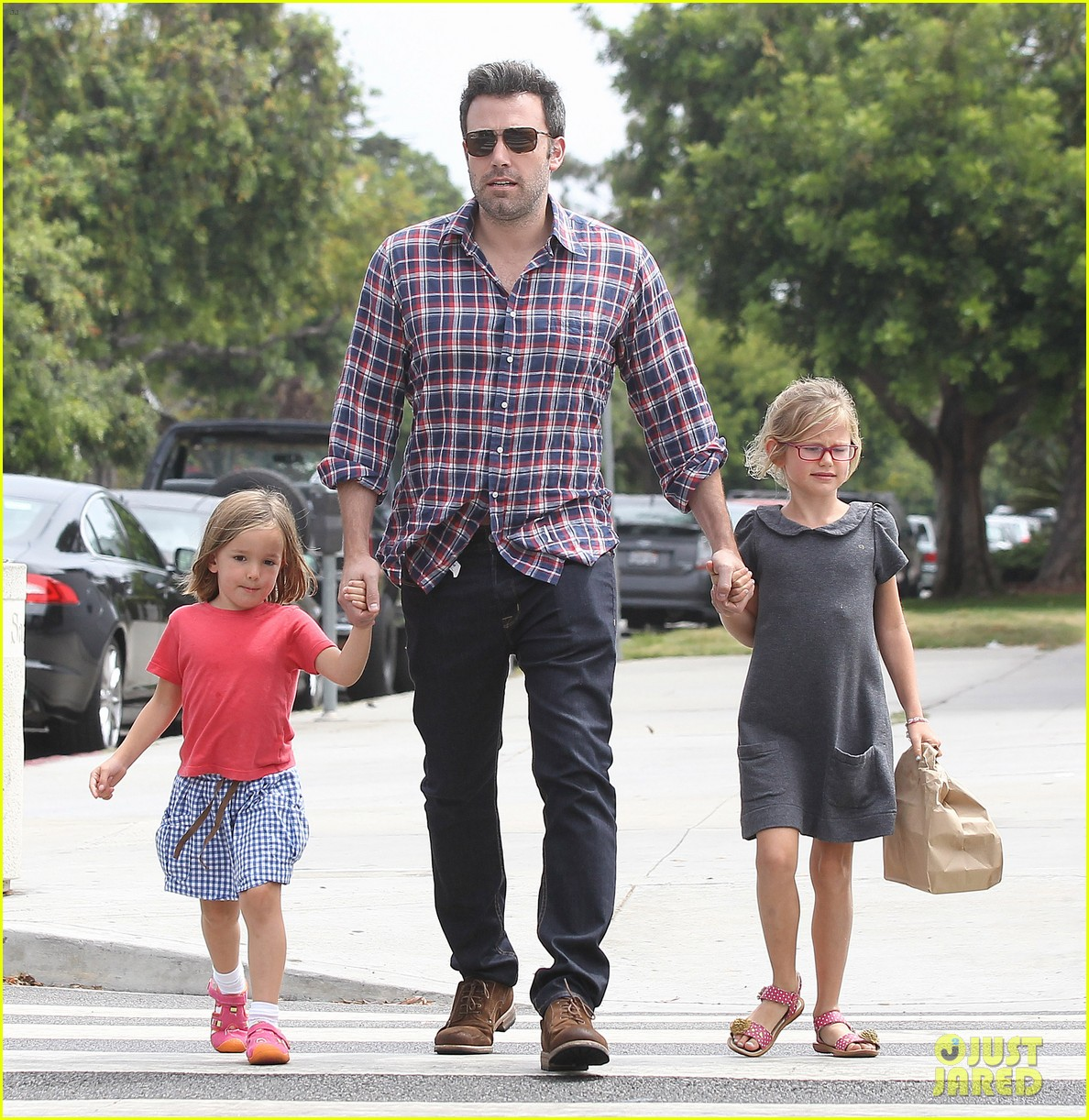 jennifer garner ben affleck separate outings with the kids 212942677